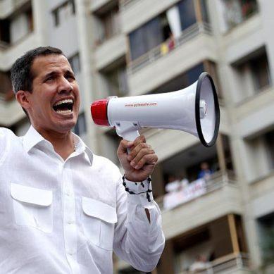 Guaidó ordena la suspensión de suministro de combustible a Cuba para ahorro energético